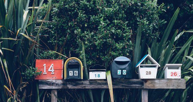 e-maily